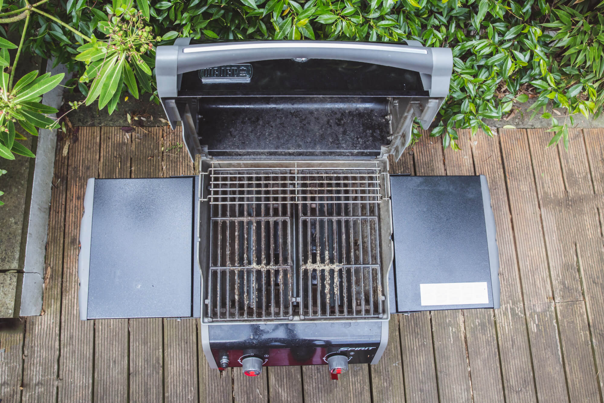 BBQ Cleaning Before